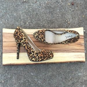 Leopard Print High Heel Pumps